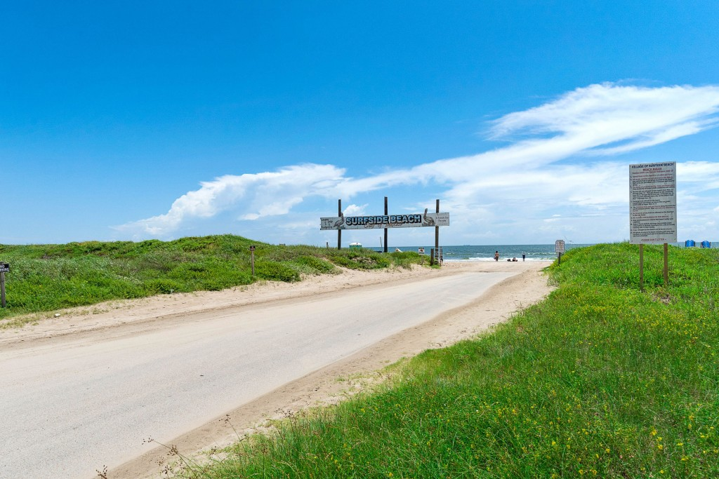 Surfside Beach Welcome Sign